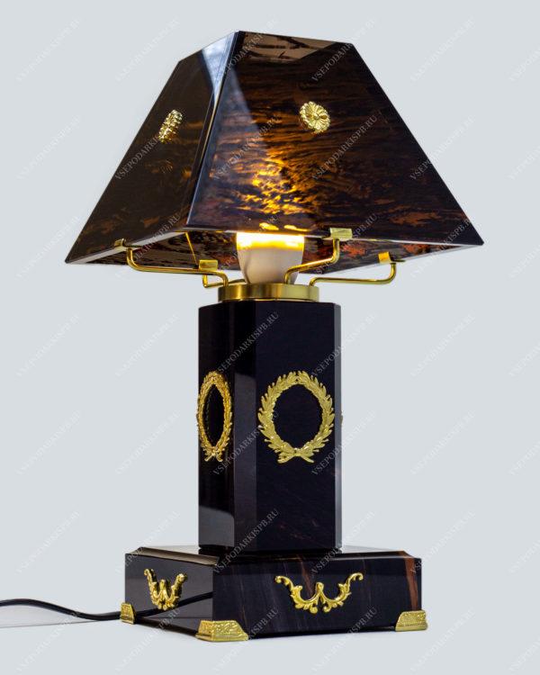 Настольная лампа светильник из обсидиана