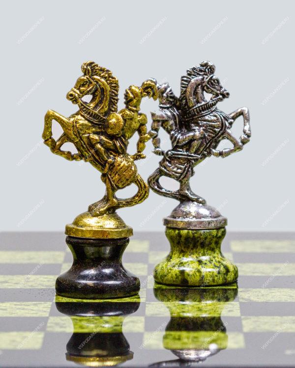 """Шахматный набор из змеевика с металлическими фигурами """"Крестоносцы"""""""